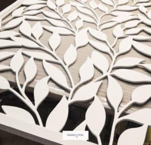 Фарбована біла перегородка мдф з візерунком листочки