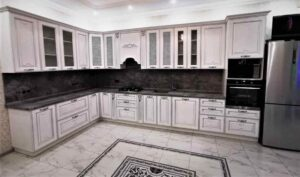 Класична кухня на замовлення 2022 в сіро коричневих кольорах